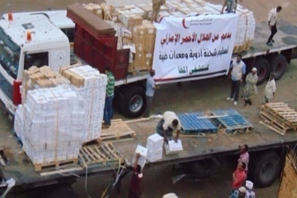 الهلال الأحمر الإماراتي يقدم مساعدات طبية إلى مستشفى المخا