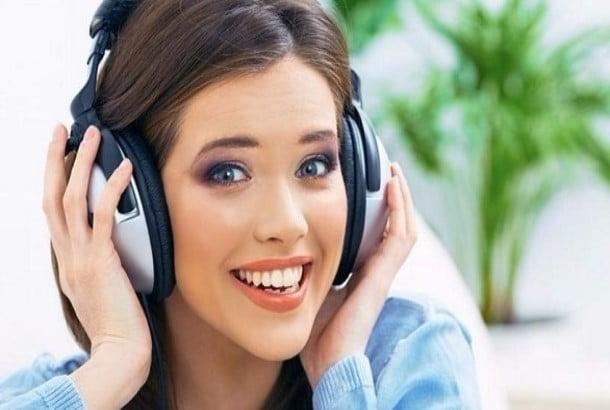 دراسة: الاستماع للموسيقى المبهجة قد ينتج أفكاراً مبتكرة