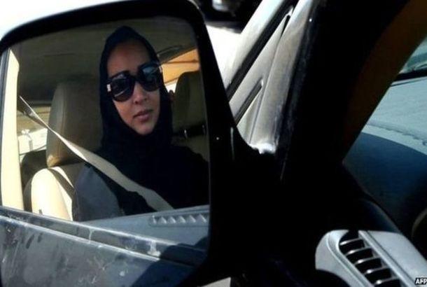 امرأة سعودية تقود السيارة