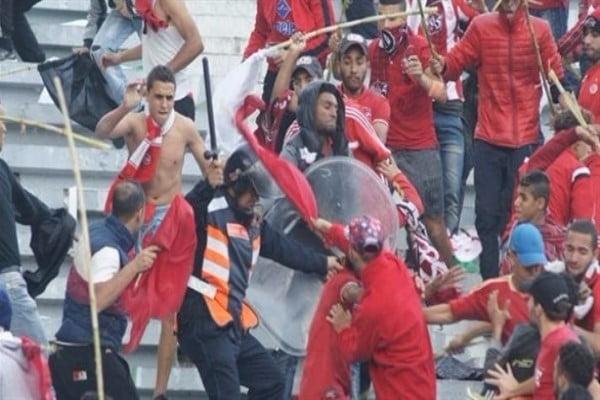 14 مصاباً في المغرب جراء اشتباكات بين المشجعين