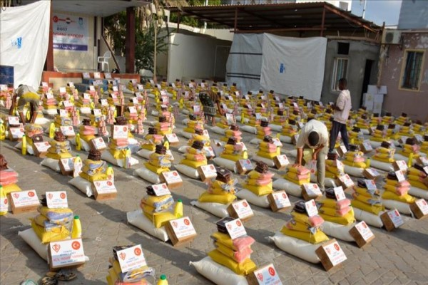 تدشين مشروع توزيع 5 آلاف سلة غذائية في مأرب