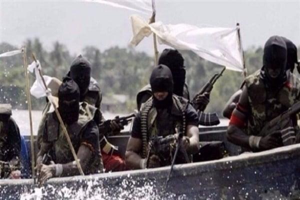 نيجيريا: مسلحون يقتلون شرطيين ويخطفون أمريكيين وكنديين