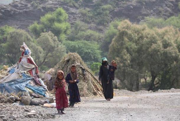 المأوى المؤقت يحاصر خصوصيات اليمنيات