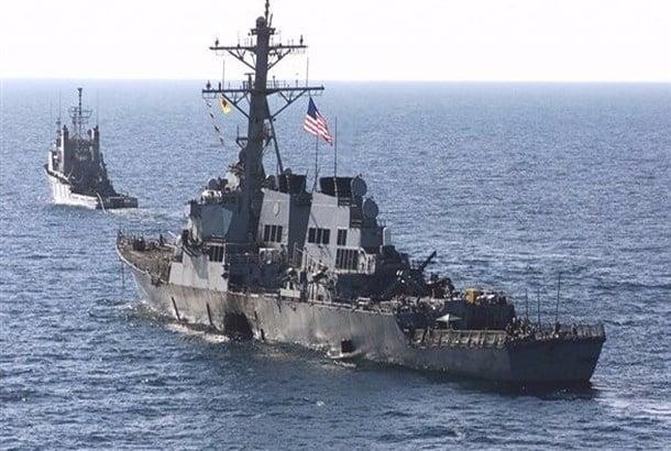 البحرية الأمريكية توجه طلقات تحذيرية لسفينة إيرانية في الخليج