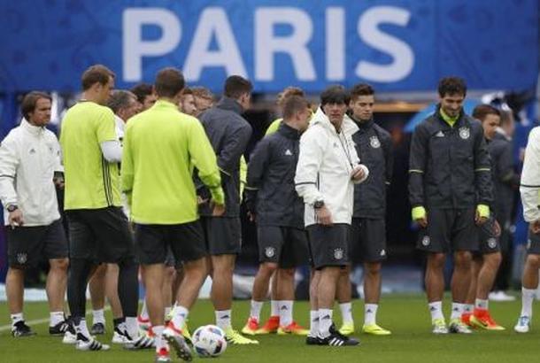 ألمانيا تفتقد النجوم في كأس القارات وتراهن على تشكيلة واعدة