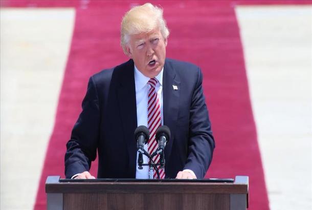ترامب يقرر الاعتراف بالقدس المحتلة عاصمة لإسرائيل