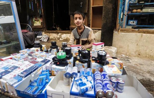 رمضان اليمن بلا كهرباء