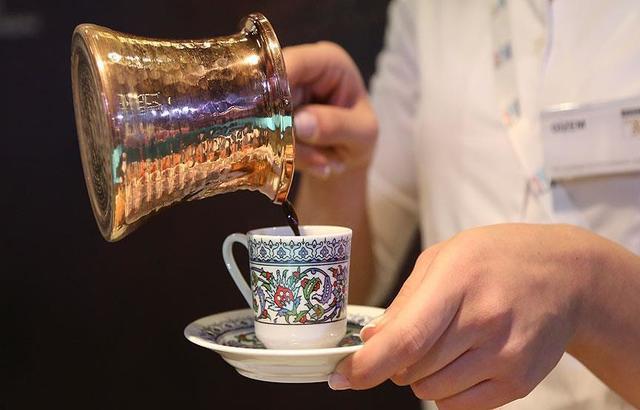 فنجان قهوة يومياً يحد من الإصابة بسرطان الكبد