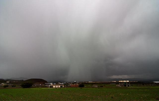 الأرصاد: طقس غير مستقر في اليمن وتواصل هطول الأمطار بالمرتفعات