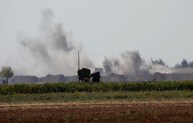 """""""ضبع"""" يفجر قنبلة زرعها متطرفون في كينيا"""