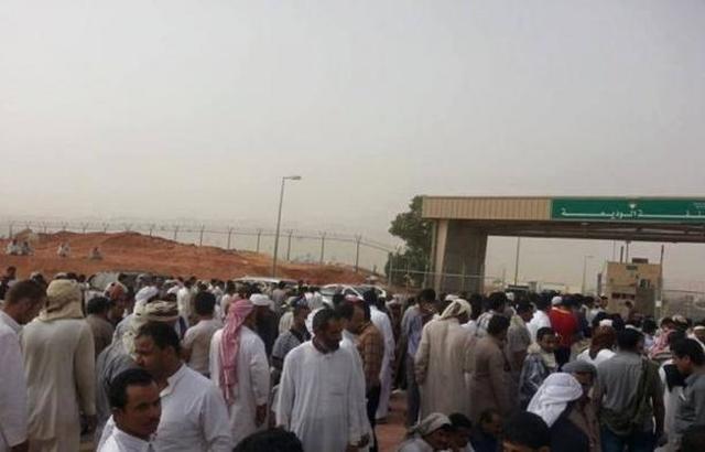 بدء توافد الحجاج اليمنيين إلى منفذ الوديعة وصحة حضرموت تقدم الخدمات