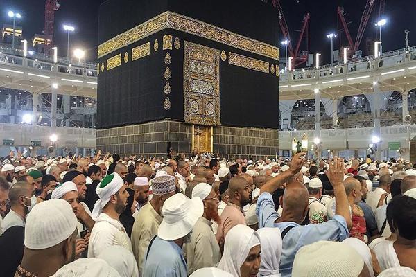 أمن مكة يعيد 120 ألف مقيم لعدم حملهم تصاريح للحج
