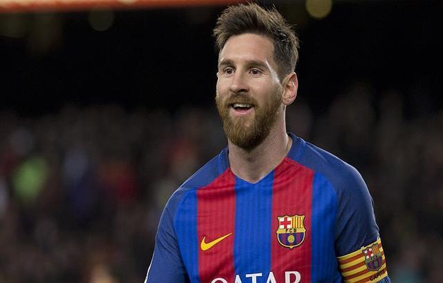 ميسي يرفض ملايين مانشستر سيتي من أجل برشلونة