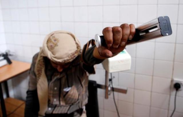 معوقون بلا رعاية في اليمن