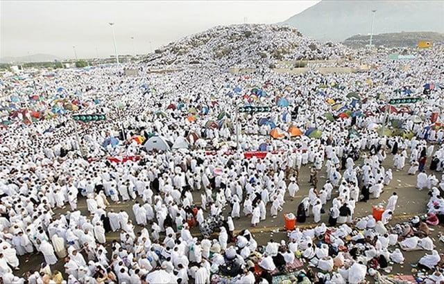 بدء صعود نحو مليوني حاج إلى جبل عرفات