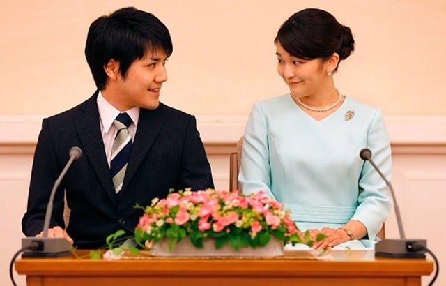 أميرة يابانية تتزوج شاباً من العامة وتترك العائلة الإمبراطورية