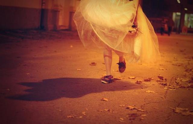 العروس الهاربة: تزوجت 11 رجلاً في عامين وسرقت أموالهم