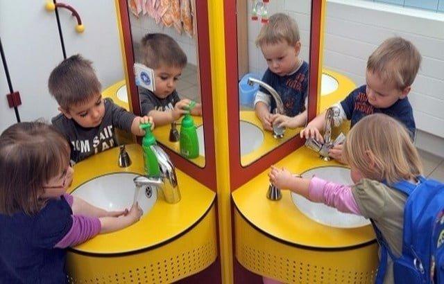 الغسل السليم لليدين يحمي الأطفال من الأمراض