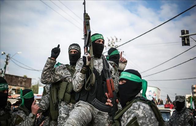إسرائيل تشترط نزع سلاح حماس للتفاوض مع السلطة الفلسطينية