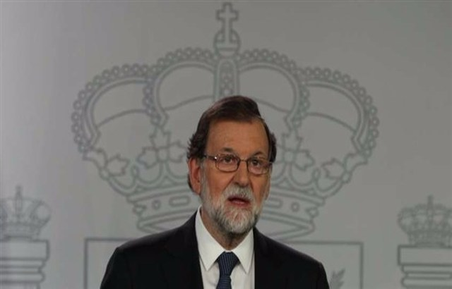 حكومة إسبانيا تبدأ مناقشة وقف العمل بالحكم الذاتي في كتالونيا