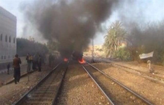 إصابة 6 بانفجار على مسار قطار في باكستان