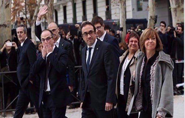 المدعي العام الإسباني يطالب بسجن قادة إقليم كتالونيا