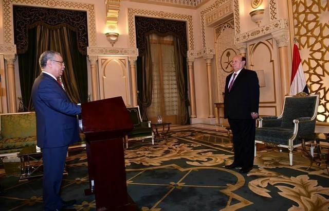 مصادر: هادي يرفض استقالة محافظ عدن المفلحي