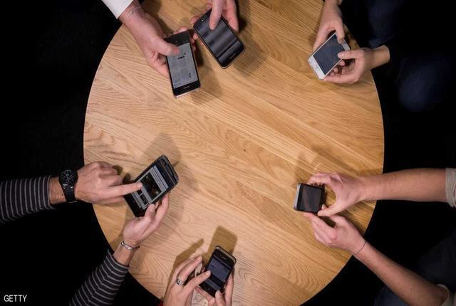 تعرف على علاج إدمان الهواتف الذكية