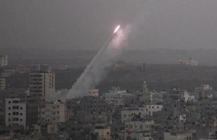 حماس تعلن النفير الداخلي.. وإطلاق قذيفتين من غزة