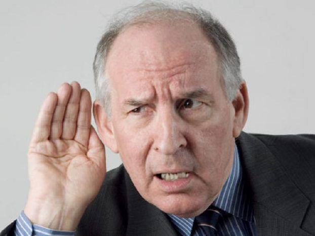 فقدان السمع قد يكون عاملاً مسبباً للخرف