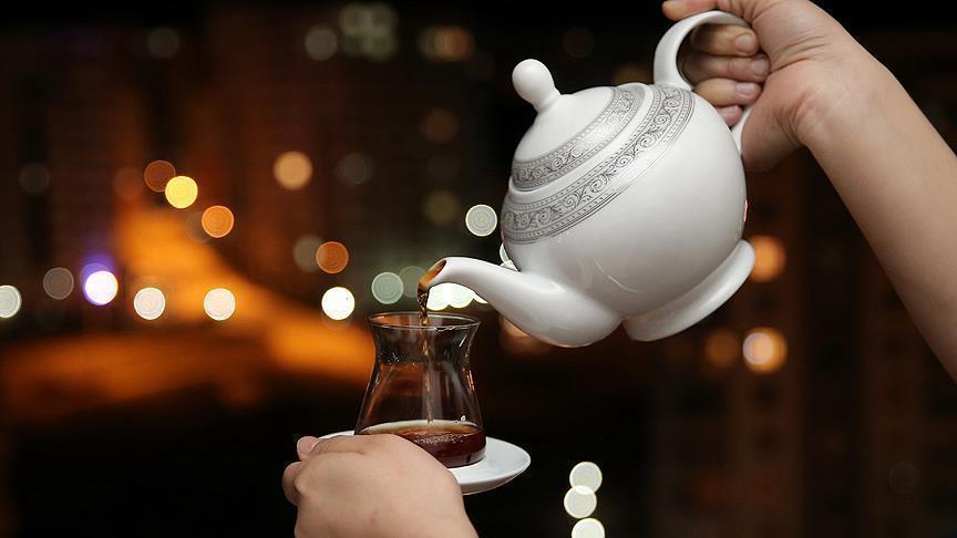 دراسة: كوب من الشاي يومياً يحد من إصابة العين بالمياه الزرقاء
