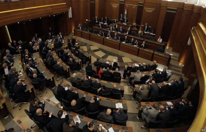 لبنان يحدد موعد أول انتخابات منذ نحو عشرة أعوام
