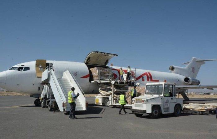 وصول أكبر شحنة أدوية تابعة لمنظمة الصحة العالمية إلى مطار صنعاء