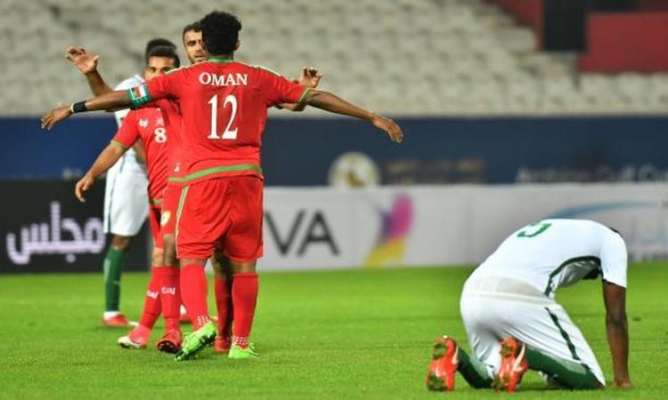 خليجي 23: عمان تطيح بالسعودية وتتأهل للمربع الذهبي.. فيديو