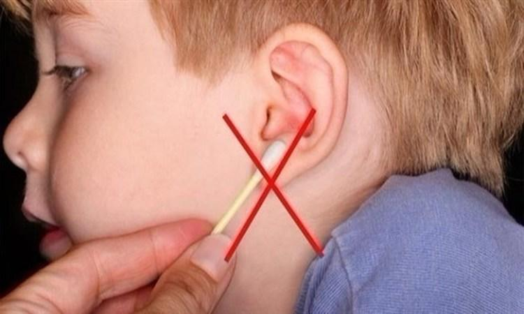 دراسة: الأعواد القطنية تثقب طبلة الأذن