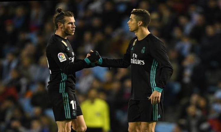 غاريث بيل يورط كريستيانو رونالدو مع جماهير ريال مدريد