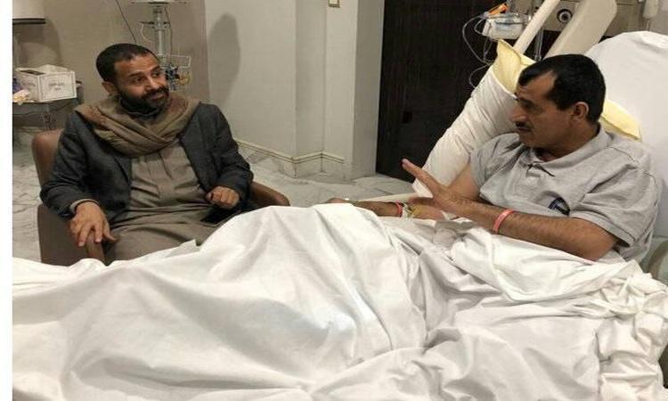 الشيخ حميد الأحمر يزور رئيس الأركان العقيلي في الرياض