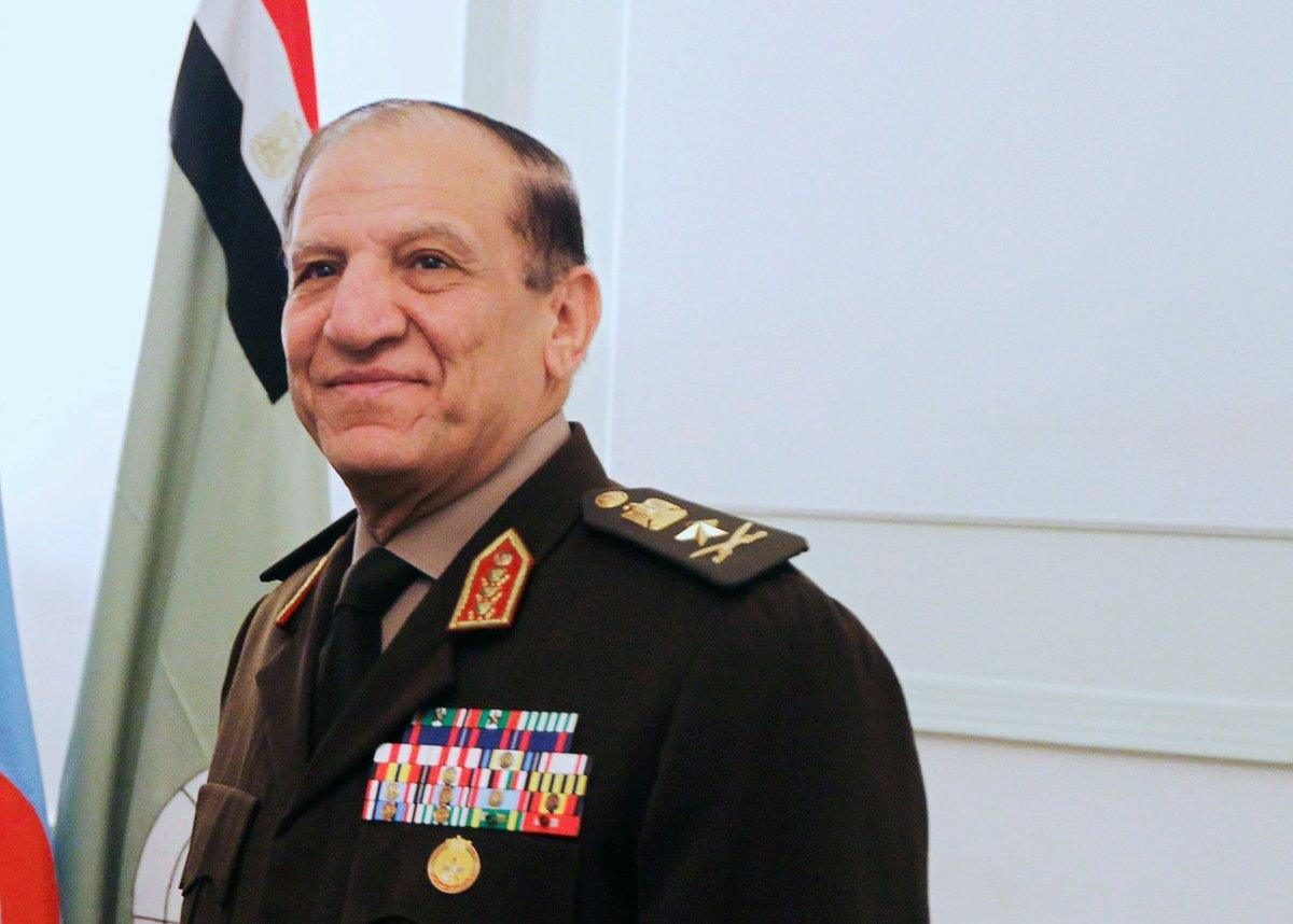 الجيش المصري تستدعي سامي عنان للتحقيق بعد إعلانه الترشيح