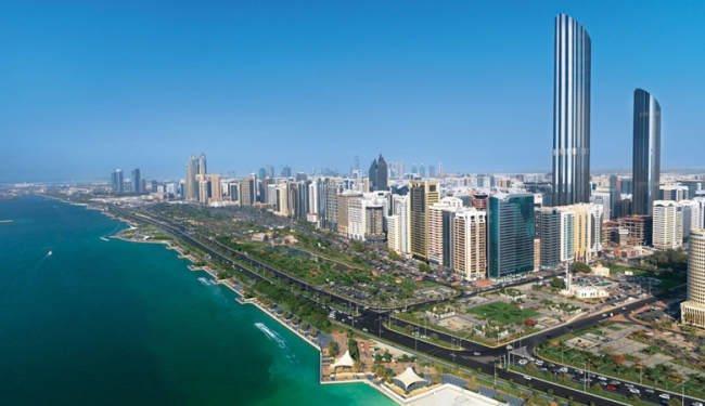 الإمارات تقر منح إقامة لمدة عام لمواطني الدول التي تعاني حروب وكوارث
