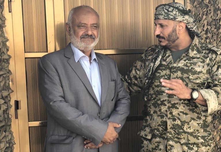 طارق صالح مع محافظ الحديدة الحسن طاهر
