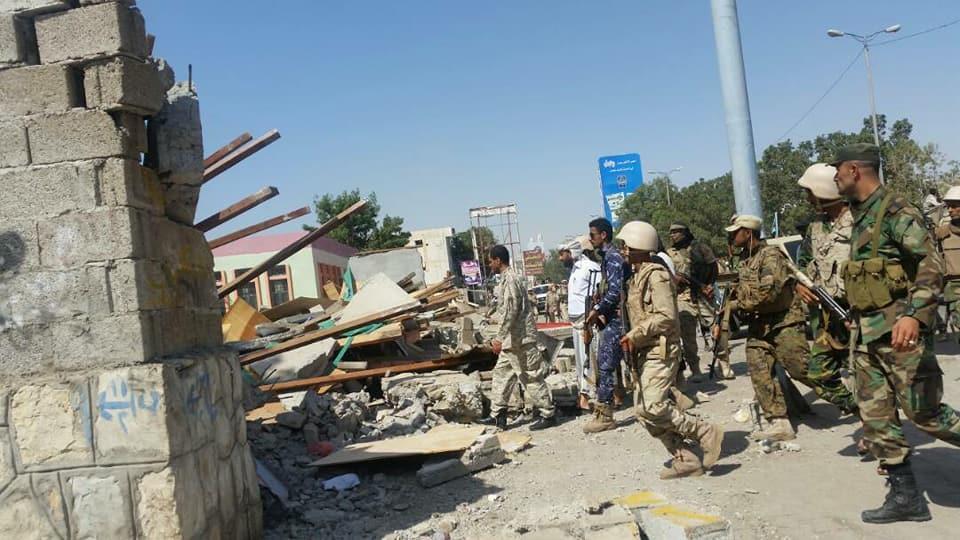 أمن عدن يداهم سوق سلاح في الشيخ عثمان ويصادر ذخائر
