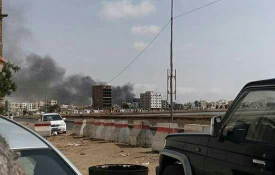 انفجار يستهدف مطبخ الحزام الأمني في المنصورة بعدن.. فيديو