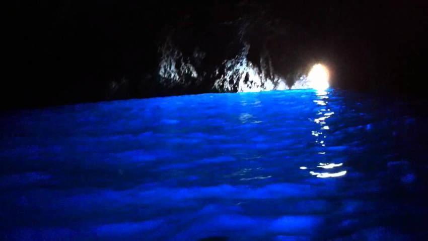 بالفيديو.. باحثون يكتشفون علاج التوتر السحري: هكذا يصنع الضوء الأزرق