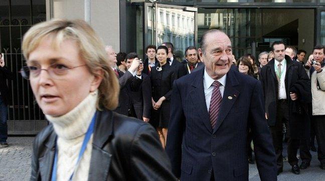 ابنة الرئيس الفرنسي الأسبق جاك شيراك توزع ملابسه على اللاجئين