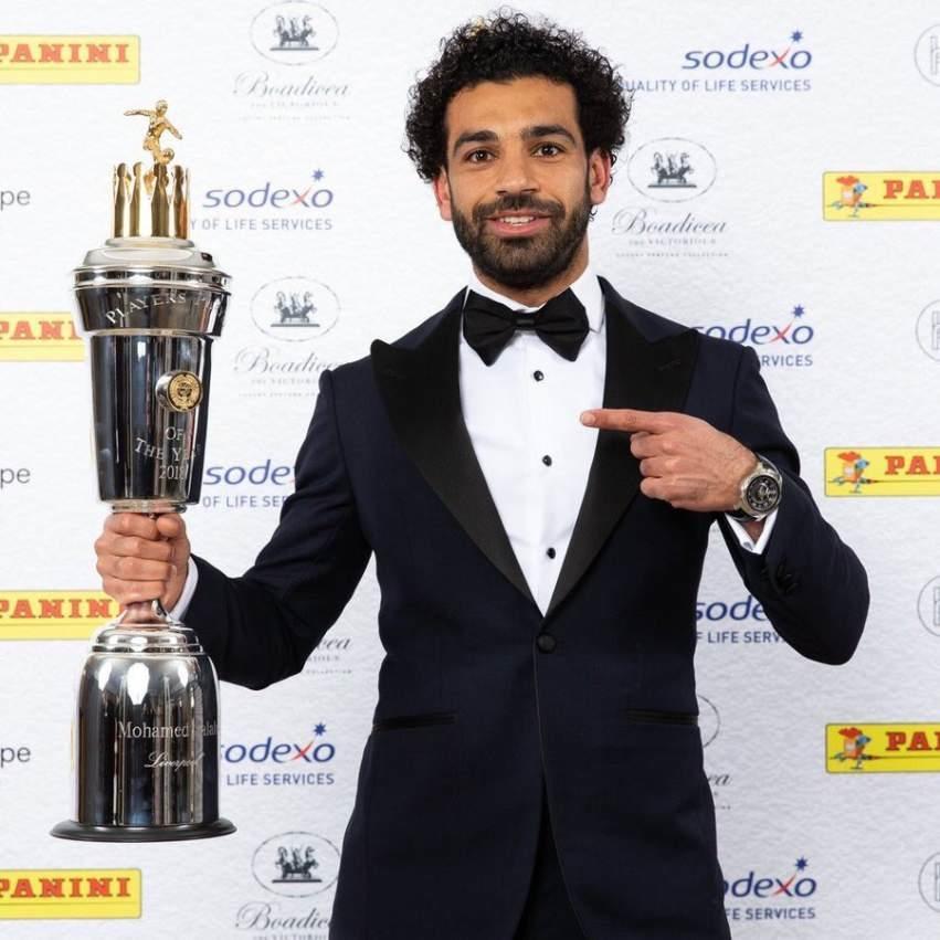 الأسطورة محمد صلاح أفضل لاعب في الدوري الإنجليزي الممتاز.. فيديو وصور