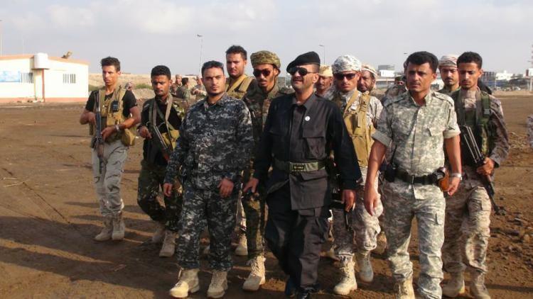 بالصور.. حملة أمنية لإزالة العشوائيات في عدن ومقتل جندي باشتباكات