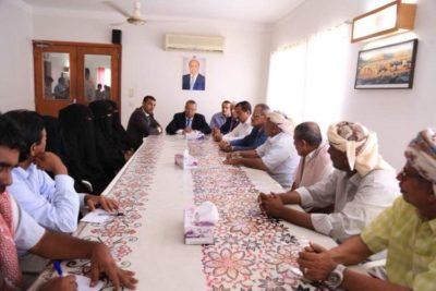 بن دغر يلتقي أعضاء بحزب المؤتمر في سقطرى