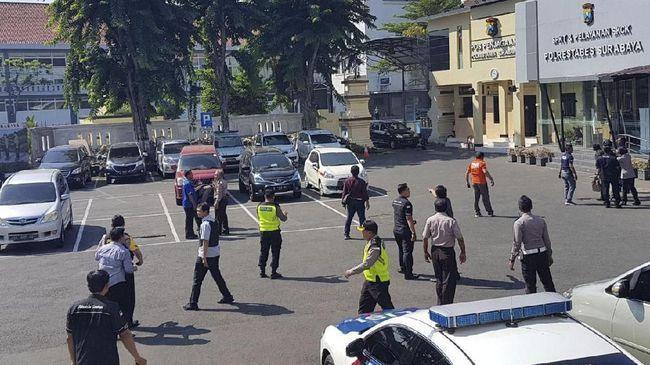 مقتل 4 انتحاريين في إندونيسيا جاكرتا