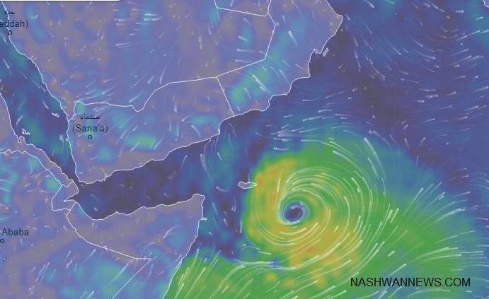 أحدث صور إعصار مكونو.. ودعوة من محافظ سقطرى للمواطنين