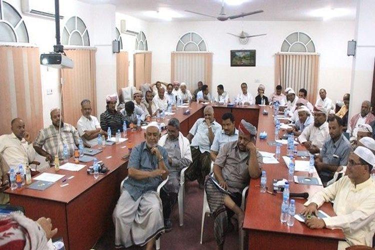 تجارة وصناعة حضرموت الوادي تناقش فرص الاستثمار بالمزيونة في سلطنة عُمان